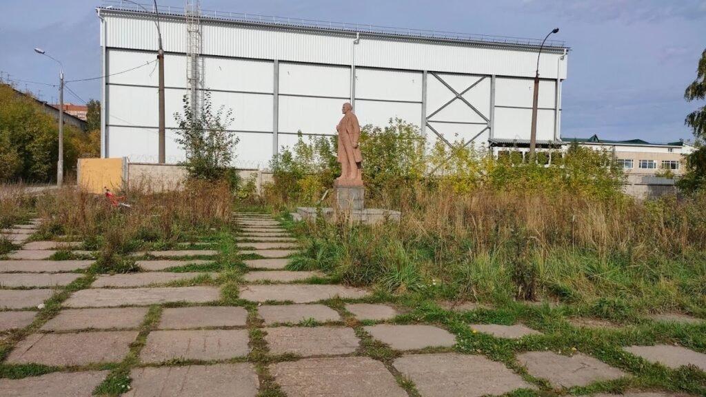 Как я немного прибрался у памятника Ленина